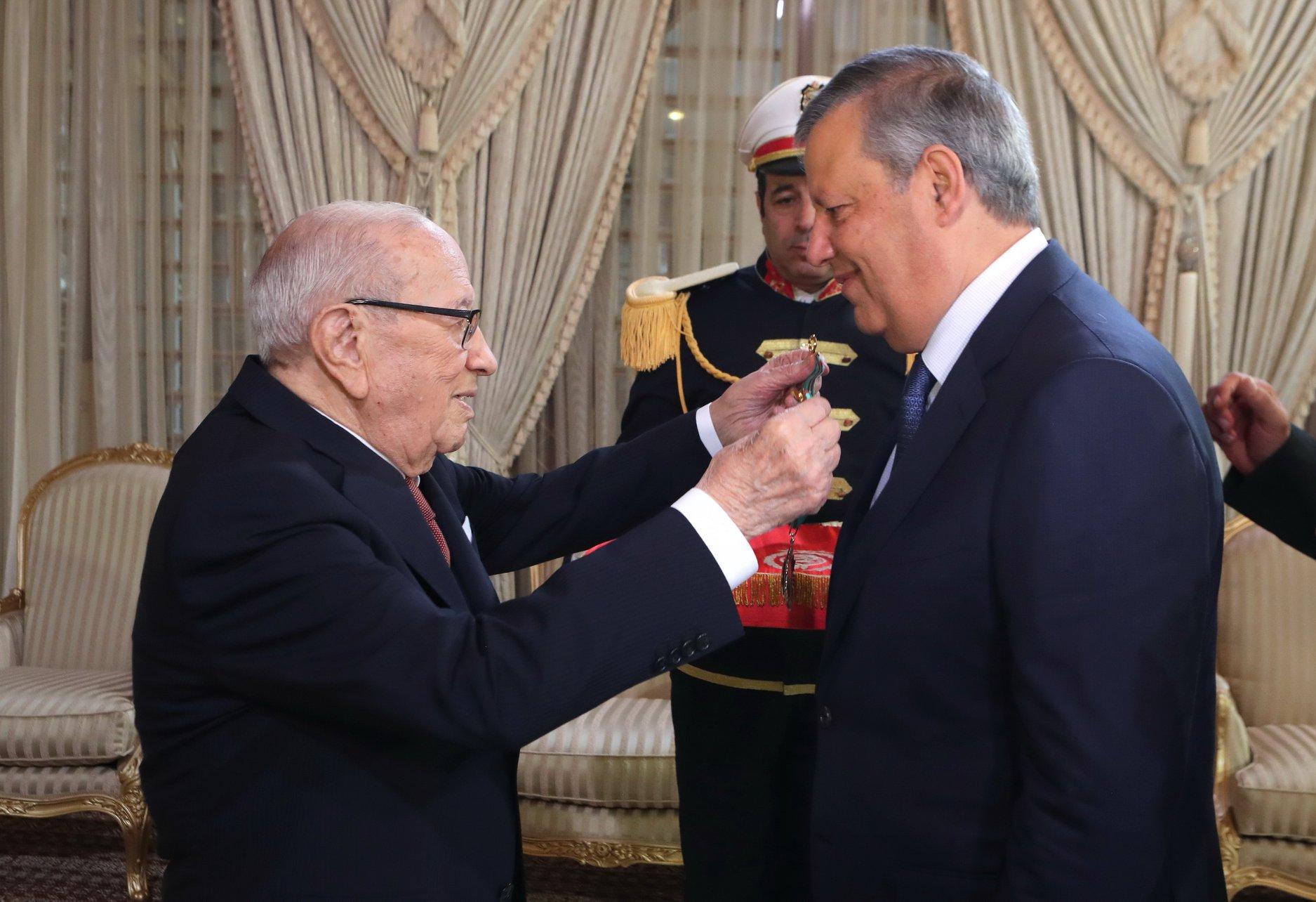 Hamdi Meddeb honoré par le président de la République