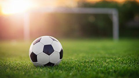 Football: Programme des plus importants matchs de ce vendredi et retransmission télévisée