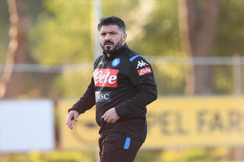 Malgré le coronavirus, Naples reprendra les entraînements — Italie