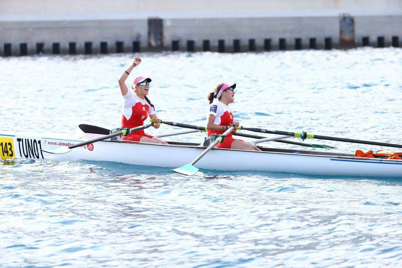 Jeux Olympiques – Aviron : le duo tunisien Khadija Krimi/Nour El Houda Ettaieb en finale